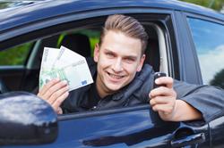 Zuzahlung bzw. Beteiligung: Arbeitnehmer können sich am Dienstwagen beteiligen